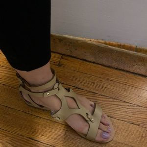 Guess sandals size 10
